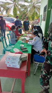 Lawan covid 19 NKRI, Vaksinasi tahap l untuk warga tapung raya yg disalurkan oleh koramil 16/ Tapung Kodim 0313/ Kampar dan elemen masyarakat kampar