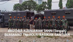 Brother Kurniawan Tann-TNI Bagikan Beras Juga Ribuan Kardus Mie Instan Kepada Masyarakat